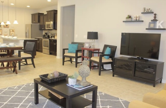 奥兰多迪斯尼度假大House。6室两厅。最多可容纳14人居住。适合几个不同家庭同时度假旅游居住。