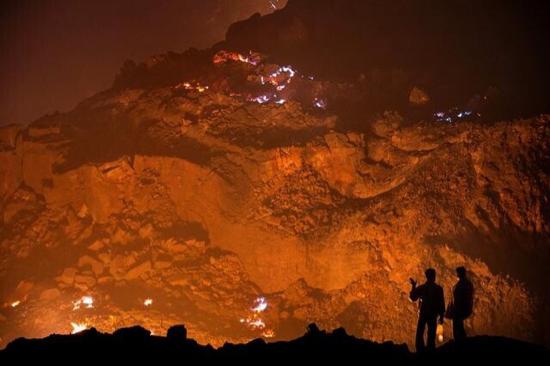 印度这场火灾烧了整整一百年 居然还能再烧三千多年