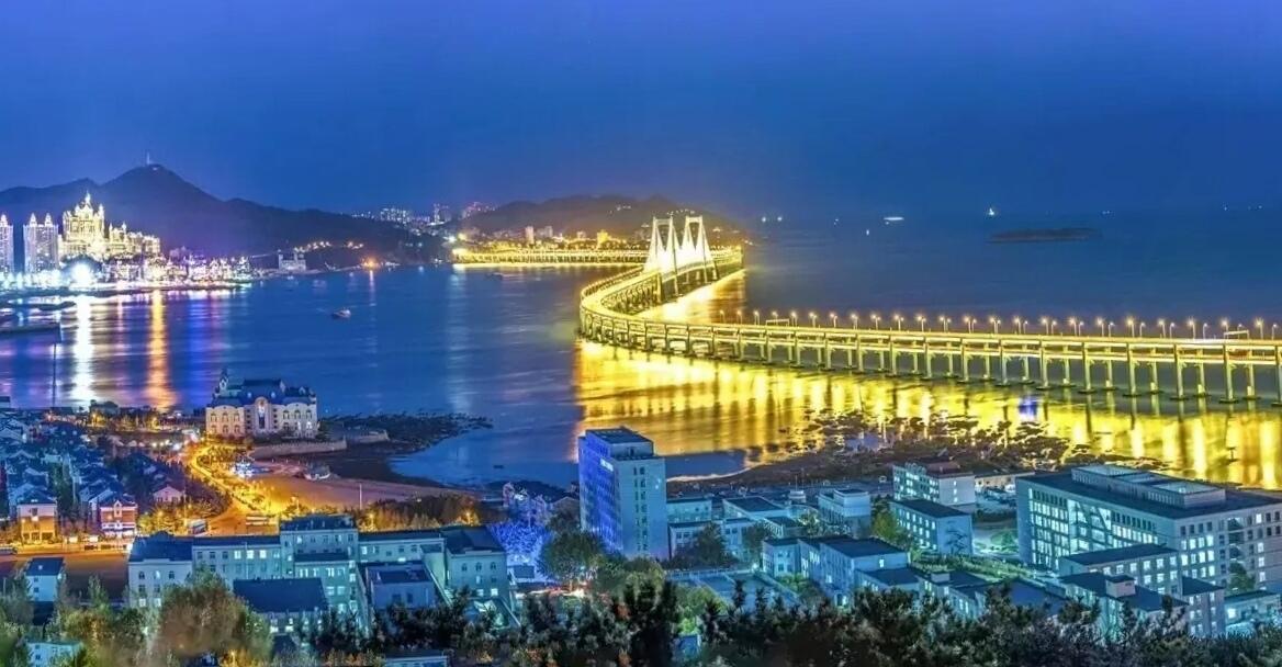1、跨海大桥全景图,美的让你尖叫! 2、捷克母亲河在这里环抱出一座世界最美的多彩小城……