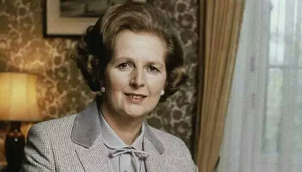 撒 切 尔 夫 人 凄 凉 的 晚 年 让人悔悟人生真谛