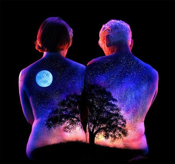 曼妙的人体夜景 裸露但绝不低俗