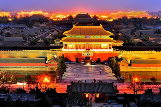北京古宫黄昏与夜景 每一块故宫匾额,都有自己的故事 [横屏]换个新角度全景看故宫……
