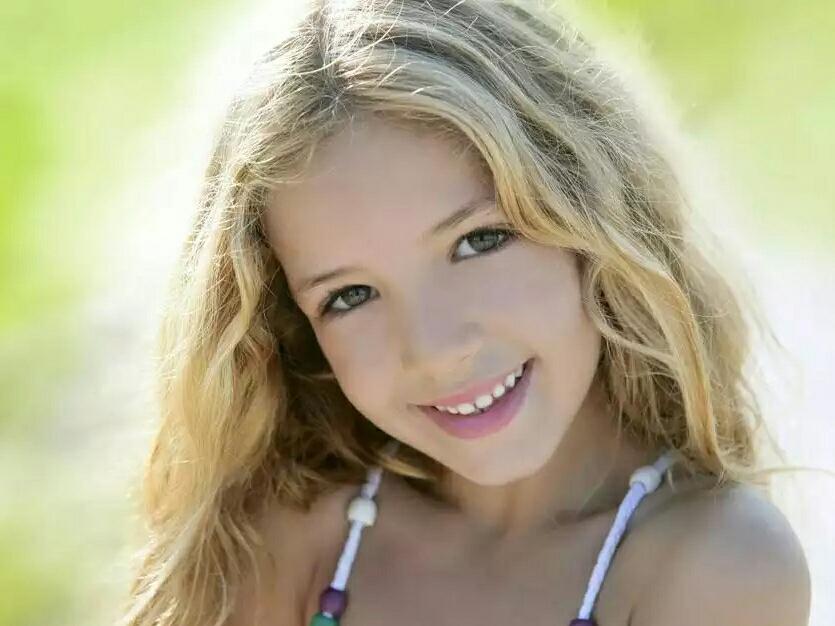 赞美和鼓励儿童的30句话最可爱的纯真笑脸