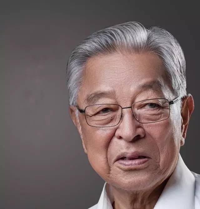 中国有位神人的31岁51岁74岁85岁一一你一定耍知道