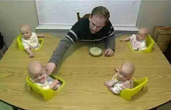 看看四五六胞胎 人家是咋过日子的 (太可爱了)
