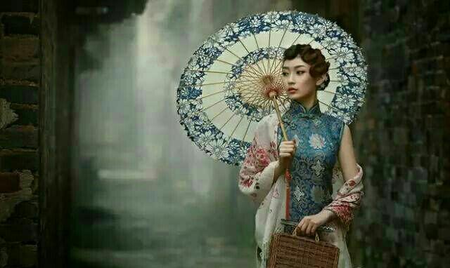 中国旗袍美女惊艳动人,摄人心魄的绰约风姿,看直眼了!