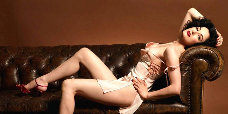 世界最性感脱衣舞娘从良记 没看过她表演 你会终生抱憾