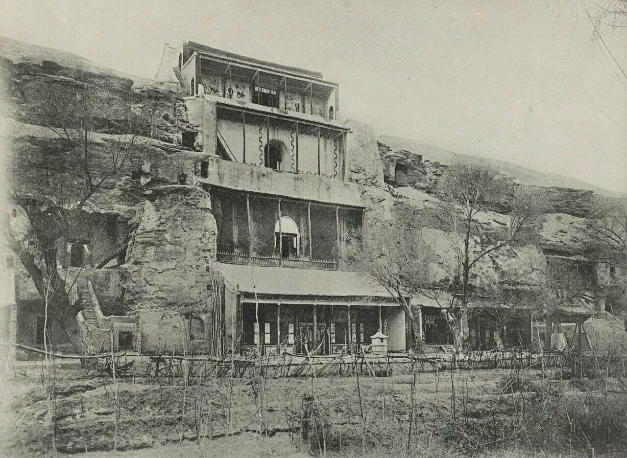 法国人1908年拍下的敦煌莫高窟,极为震撼视觉!