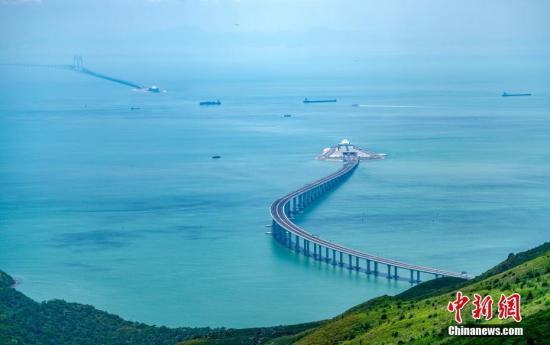 习近平宣布:港珠澳大桥正式开通!世界上最长的跨海大桥!
