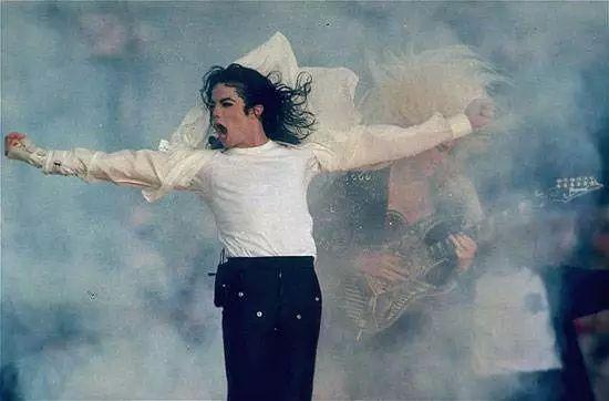 迈克尔·杰克逊复活 10年之后再次霸屏 他  的  时  代 永远不会结束