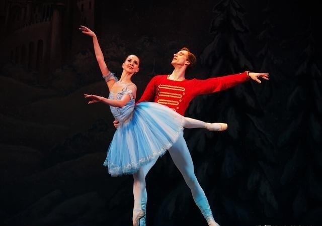 足尖上的艺术!      双人芭蕾舞浪漫