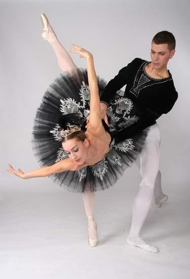 足尖上的艺术!镜头下的双人芭蕾舞缱绻浪漫