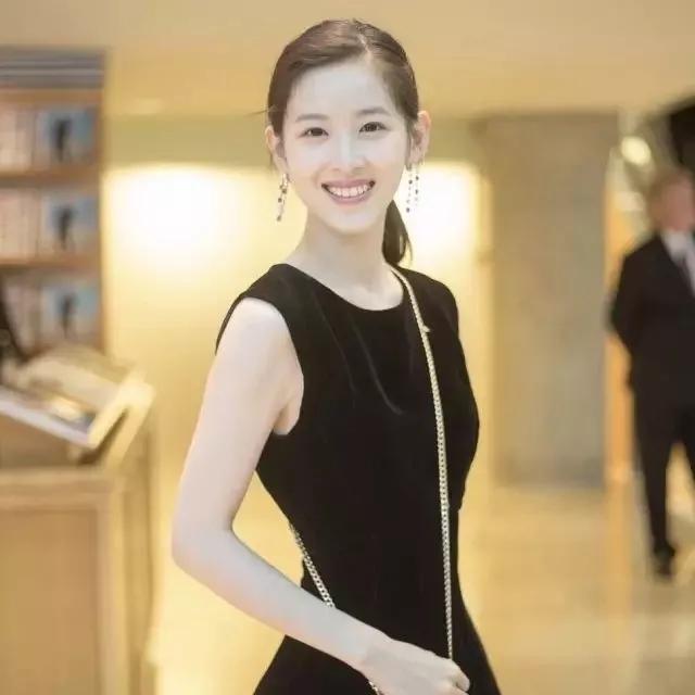 京东老板娘章泽天:  自己优秀 才会活得漂亮