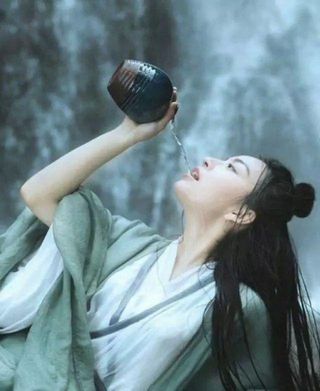 古诗词里的美酒 醉了俗身,醒了初心