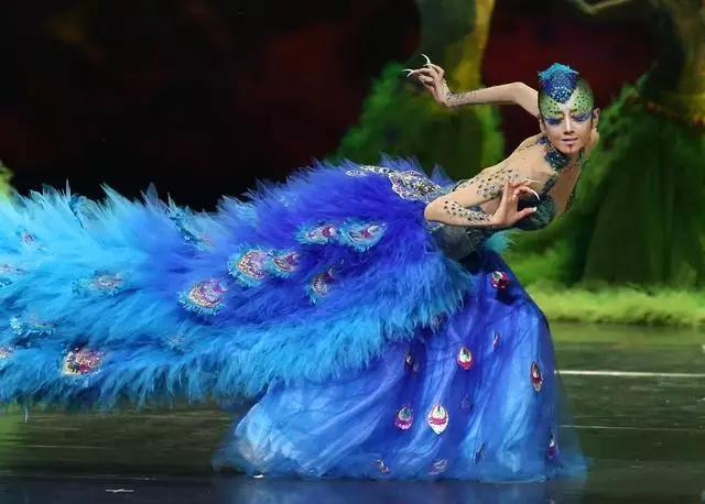 精致一生,妖艳到老 杨丽萍经典舞蹈视频集