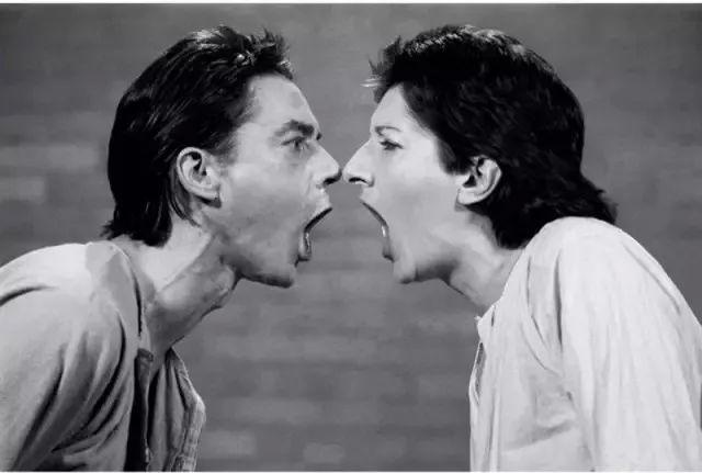 从  热  恋  到  出  轨 这对相恋12年的情侣 诠释了爱情里最揪心的规律