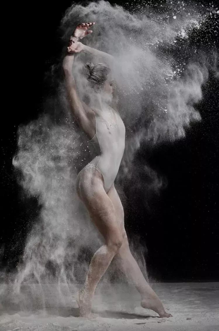 他拍下芭蕾舞者的绝妙人体 张张震撼人心