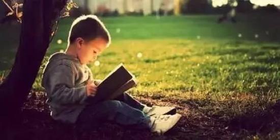 """鼓励孩子别只会说 """"你真聪明"""", 不如试试这15句!"""