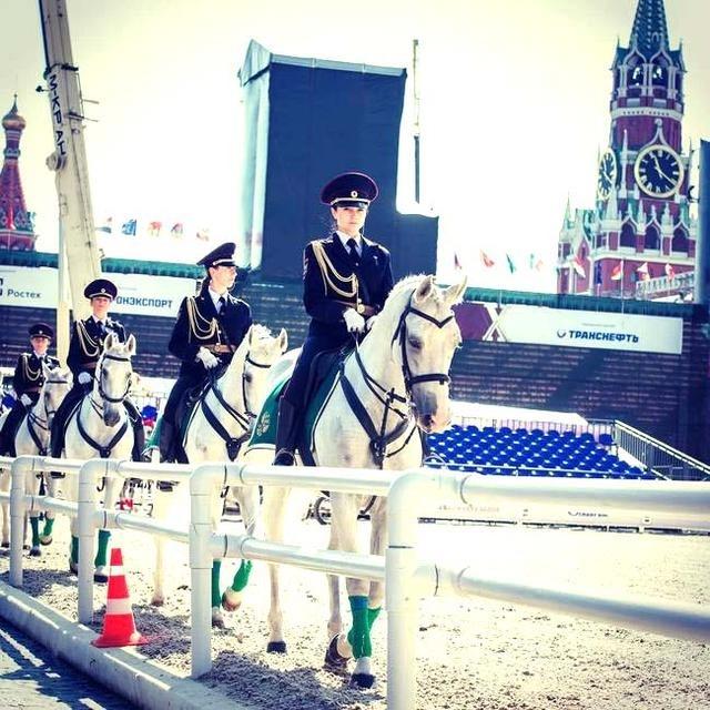 俄罗斯美女骑警        古典美