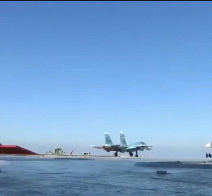 【实拍】航母上战斗机起飞和导弹发射全过程