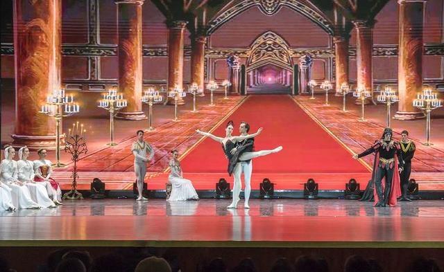 终于拍到了彼得堡,俄罗斯芭蕾舞剧《天鹅湖》 最经典版本,美极了