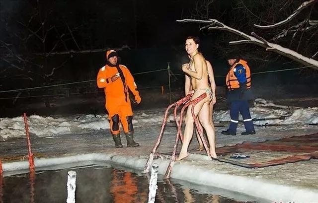 太刺激了 俄罗斯美女 游泳照片流出 最后一张 真让人脸红