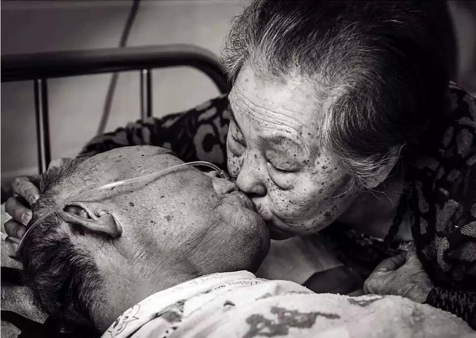 兄妹成夫妻,相爱80年:亲爱的,亲亲我......(泪奔,这才是爱情)