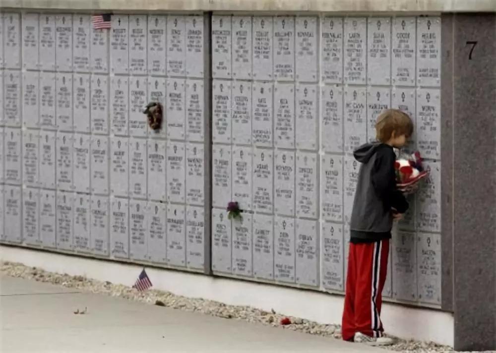 人性与爱的 20张照片  哪一张 戳中了你的泪点
