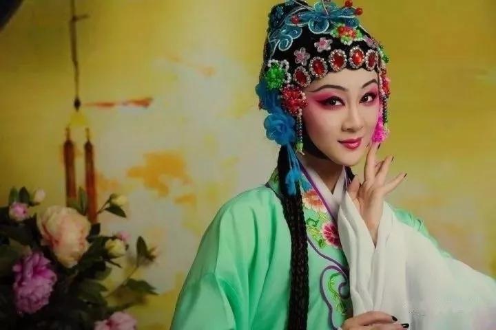 有人用汉语翻译了一首英文诗,全世界都服了!