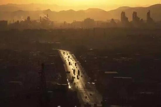 摄影师深入雾霾源头 拍到的场景让人绝望 - 春回大地 - YGGL 268的博客